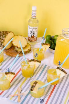 loconut recipe // Captain Morgan coconut rum with a splash of pineapple juice! Yummy!
