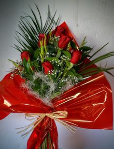 latiendadelasflores.es Ramo de rosas rojas para regalar a una gran amiga