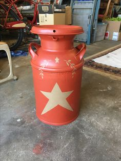 Painted for a friend. Painted Milk Cans, Decor Crafts, Repurposed, Primitive, Canning, Design, Couture Facile, Decorative Crafts