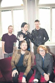 The smile of Zach Filkins OhMy!  HAHEHAHA, and Brent, It looks like a fish!   #OneRepublic