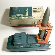 Bandai Tinplate Moon Mobile Rocket Launcher with box made in Japan Retro Toys, Vintage Toys, German Toys, Retro Rocket, Airplane Toys, Old School Toys, Space Toys, Army Men, Pew Pew
