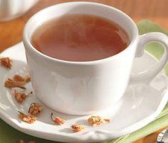 Um ótimo remédio caseiro para acabar com a retenção de líquidos é o chá de…