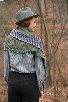 Ravelry: Pinna Pompon pattern by Susan Mills