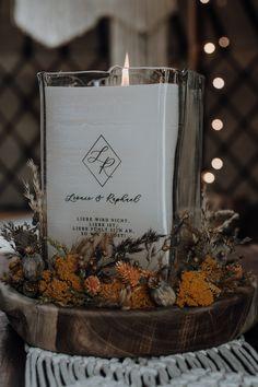 #hochzeitskerze #glas #deko #hochzeit Candle Jars, Candles, Chic Wedding, Table Decorations, Home Decor, Crate, Corning Glass, Creative, Deco