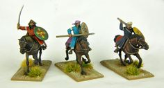 Cavalerie légère sarrasins & maures Moyen-âge                                                                                                                                                                                                                                                          12 figurines 12 chevaux en plastique à monter et à peindre Gripping Beast, Bookends, Home Decor, Buckwheat, Middle Ages, Plastic, Decoration Home, Interior Design, Home Interior Design