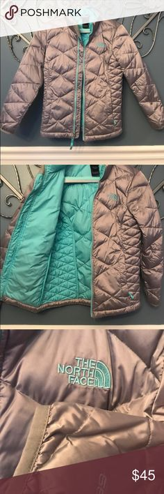 The North Face Girls 550 Jacket Gray North Face girls  winter coat.  Size 10/12 very warm, great condition! The North Face Jackets & Coats Puffers