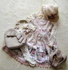 blouse: Vero Moda * bag: Evil Live * shoes: TaoBao * socks: Metamorphose (from the set) * gloves: Vintage * hat: selfmade