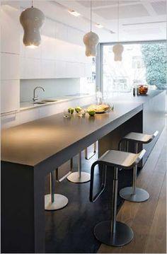 http://www.interieurdesigner.be/interieurprojecten/woning-inrichting/images/loft-keuken-design-uitvoering-keukeneiland-met-la-palma-stoelen....