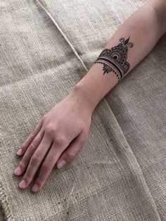 Mehendi by Yulia Shmidt, Slovenia Arte Mehndi, Mehendi, Mehndi Designs, Tattoo Designs, Tattoo Ideas, Mehndi Simple, Henna Ideas, Mehndi Tattoo, Mehndi Images