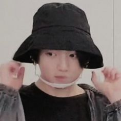 Jungkook Abs, Jungkook Cute, Foto Jungkook, Bts Taehyung, Foto Bts, Funny Photos, Cute Pictures, J Hope Twitter, Jungkook Aesthetic