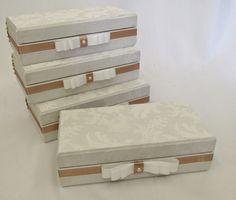 Divina Caixa: Caixa Convite para Padrinhos e Madrinhas de Casamento, Um gravata para o padrinho e uma almofadinha para colocar corrente ou pulseira para a madrinha!