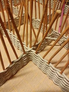 Trendy Basket Weaving Paper Newspaper Informations About Trendy Basket Weaving Paper Newspaper Pin You can easily use Newspaper Basket, Newspaper Crafts, Newspaper Paper, Handmade Soap Recipes, Handmade Crafts, Handmade Rugs, Paper Basket Weaving, Paper Mache Crafts, Magazine Crafts