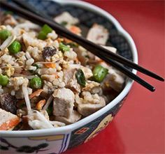 Clean Eating Pork Fried Rice: Pretty easy to put together, it's delicious, and it feels healthier than regular fried rice. Healthy Asian Recipes, Rice Recipes, Clean Eating Recipes, Healthy Cooking, Real Food Recipes, Dinner Recipes, Healthy Eating, Eating Clean, Healthy Tips