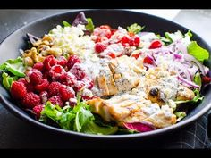 Grilled Chicken Salad Recipe with super easy grilled chicken breast, healthy poppyseed dressing and whatever else you feel like. No fancy restaurant can beat this salad! Grilled Chicken Salad, Chicken Salad Recipes, Grilled Romaine, Healthy Family Meals, Easy Healthy Dinners, Healthy Kids, Kids Meals, Salad Recipes For Dinner, Healthy Salad Recipes