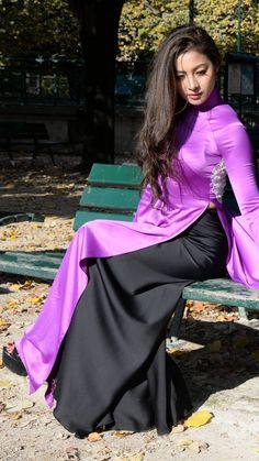 Screenshot_20180731-144307 | bởi aodaidep848 Ao Dai, Oriental Fashion, Asian Fashion, Vietnamese Dress, Beautiful Asian Women, Beautiful Celebrities, Curvy Women Fashion, Sexy Asian Girls, Stylish Dresses