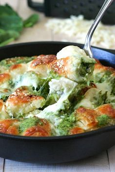 Easy Cheesy Pesto Pull-Apart Bread