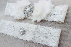 CHEAP WEDDING IDEAS Pearl & Lace Bridal Garter, Ivory Vintage Wedding Accessories tasteful bridal lingerie...