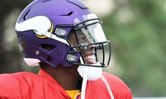 Vikings' QB Teddy Bridgewater speaks after ACL tear = Minnesota Vikings' quarterback Teddy Bridgewater tore his ACL and dislocated his knee in practice this week. Not only is a terrible injury, but comes at a brutal time: Roughly a week before the regular season, a.....