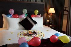 bachelorette room decorations | ... Hanoi Hotel Photo: Staff decorating room for my wife's birthday