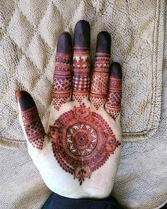 Circle Mehndi Designs, Palm Mehndi Design, Finger Henna Designs, Stylish Mehndi Designs, Mehndi Designs For Girls, Mehndi Designs For Beginners, Mehndi Design Photos, Dulhan Mehndi Designs, Wedding Mehndi Designs