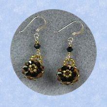 Gemini Earrings Beading Tutorial.  http://www.jewelrymakingprofessor.com/products/Gemini-Earrings-Video-on-Demand.cfm