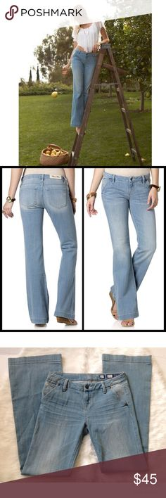 """Miss Me FOXY LOLITA MID-RISE WIDE LEG JEANS Miss me FOXY LOLITA MID-RISE WIDE LEG JEANS. New no tags.  Front Rise: 8"""" ; Back Rise: 13 ¼"""" Inseam: 34"""" Miss Me Jeans Flare & Wide Leg"""