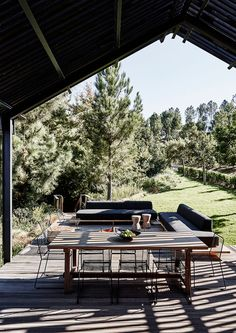 A Contemporary Barn Situated upon Elgin Valley - Completehome Wooden Couch, Contemporary Barn, Casas Containers, Outdoor Spaces, Outdoor Decor, Shed Homes, Building For Kids, Wooden Blocks, Lodges