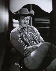 GUNSMOKE (CBS-TV) - James Arness as 'Marshal Matt Dillion'