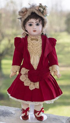 "Very Beautiful 21"" (54 cm) French bisque Bebe Jumeau incised with red mark TETE JUMEAU, c.1890 Antique dolls at Respectfulbear.com"