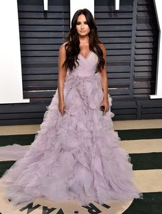 Demi Lovato Wears Ruffles To Oscar Party & We're Obsessed!: Photo Demi Lovato fulfilled all of our princess dreams in this gorgeous purple ruffle dress at the 2017 Vanity Fair Oscar Party tonight (February The Diane Kruger, Jessica Alba, Jennifer Aniston, Oscar 2017 Dresses, Gala Dresses, Party Dresses, Scarlett Johansson, Divas, Demi Lovato Style