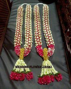 Mala patterns Flower Garland Wedding, Flower Garlands, Flower Bouquet Wedding, Wedding Car Decorations, Handmade Decorations, Flower Decorations, Indian Wedding Bridesmaids, Flower Rangoli, Wedding Mandap