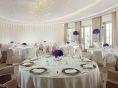 The Oval Room - low round bowls of flowers plus 2 tall vases Luxury Wedding Venues, Hotel Wedding, Wedding Events, Lavender Green, Green Flowers, Park Weddings, Destination Weddings, Dorchester Collection, Event Room