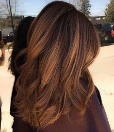 Gorgeous Golden brown bayalage with a rounded cut. SO excited to try this!