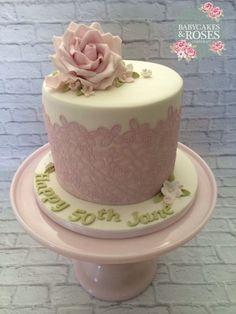 Pale Pink Cake Lace & Sugar Rose Cake
