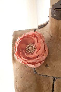 Alternate flower pin