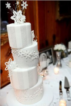 winter wedding cake - just without the cutesy snowflakes