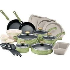 Paula Deen Cookware Set - Green, 24 piece...I Have this Red and love it!