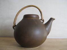 Arabia Finland - big teapot - matte brown - G A 3 - Ulla Procopé - midcentury.