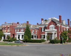 Adore the big old historic homes on Monument Ave in Richmond