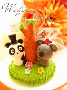 cake topper- from: http://www.flickr.com/photos/63189170@N04/6088783477/ Note: I like the panda and kawala on this topper.