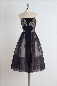 Hayworth . vintage 1950s dress . vintage by millstreetvintage