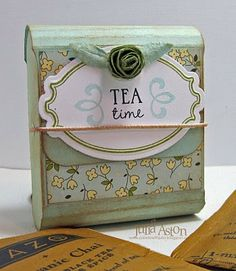 A DIY little box in which to carry your tea.