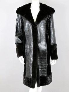 Oscar de la Renta Ret $55,000 Black Alligator and Mink Fur Coat Size 8 Fall 2011 #OscardelaRenta #BasicCoat