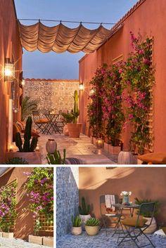 Comme un parfum dOrient Laissez vous transporter à Marrakech avec cette terrasse atypique Design Exterior, Patio Design, Garden Design, Outdoor Spaces, Outdoor Living, Mexican Patio, Terrace Decor, Hacienda Style, Pergola Plans