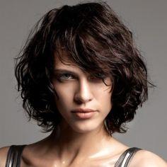Coupe de cheveux homme visage fin cheveux bouclés chatains