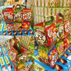 #boxfromjapan #suscripcion #golosinasjapon ultima tendencia en Japón, #mochilas, #bolsos, carteras hechas totalmente en paquetes de #caramelos, usarías unas de estas? próximamente instrucciones como armarlas en Boxfromjapan.com  Snack backpack, last trend in Japan! Would you wear one of this bags made totally In real #snackspackage
