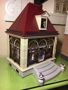 The Sweet Shopen has now open his doors! Jukebox, Victorian, Doors, Twitter, Sweet, Playmobil, Candy, Puertas, Doorway