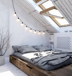 9 Amazing Tricks: Feminine Minimalist Decor Home Office minimalist home ideas desks.Minimalist Home Dark Gray minimalist bedroom loft decor.Ultra Minimalist Interior Home. Attic Bedrooms, Bedroom Loft, Dream Bedroom, Home Bedroom, Master Bedroom, Attic Loft, Bedroom Storage, Bedroom Inspo, Attic Storage