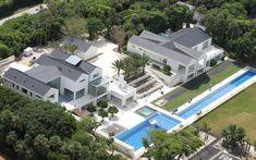Tiger Woods House in Jupiter Florida - Celebrity House Pictures Tiger Woods House, House In The Woods, Huge Mansions, Mansions Homes, Luxury Mansions, Celebrity Mansions, Celebrity Houses, Florida Mansion, Florida Home