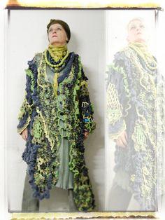 Exquisitely processed extravagant yellow & green par MizzieMorawez, €980.00